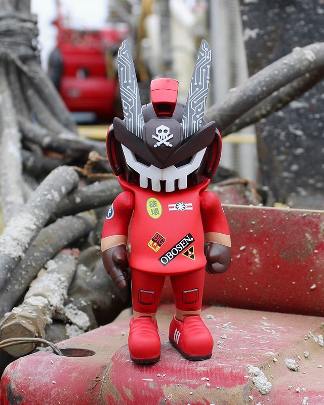 OTOMO TEQ63 vinyl art toy by QUICCS and Martian Toys